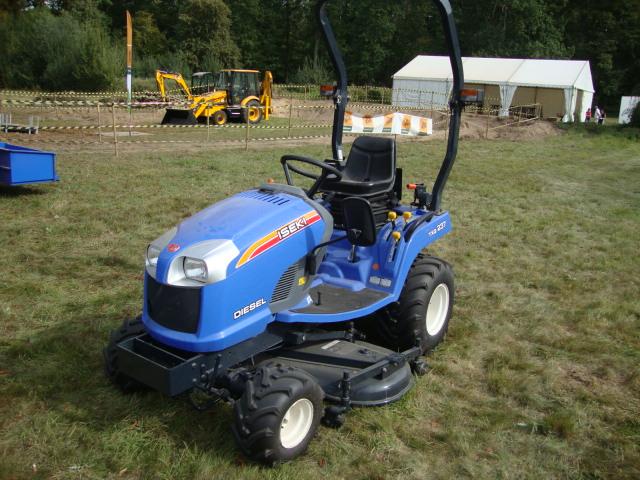 Tracteur ISEKI TXG 237 profil gauche