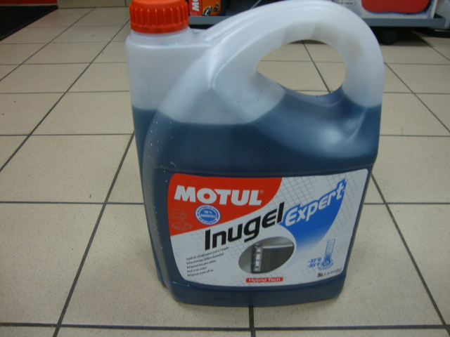 Produit MOTUL liquide de refroidissement